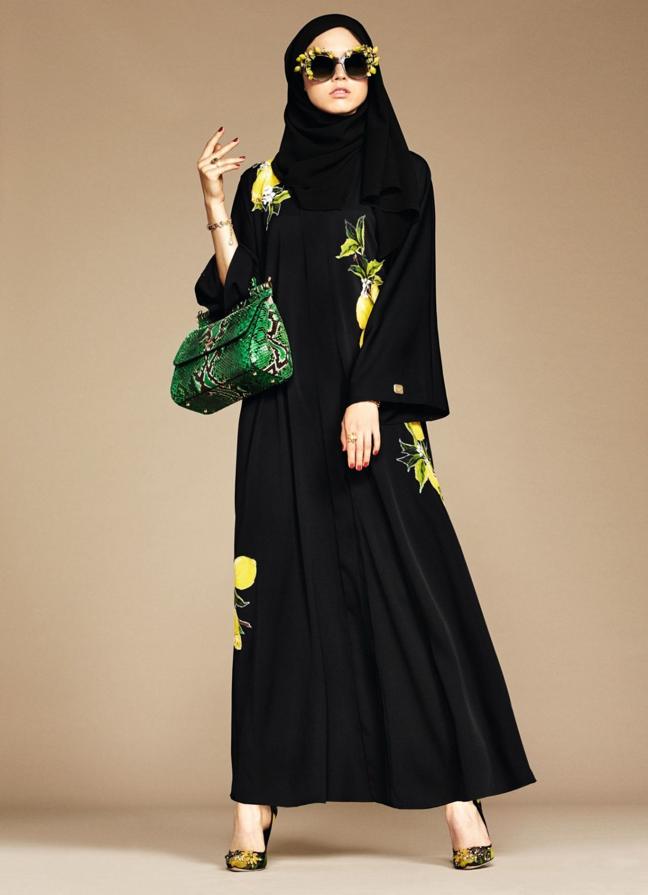 gallery-1452085978-14-exclusive-dolce-gabbana-abaya-line-1 (1)