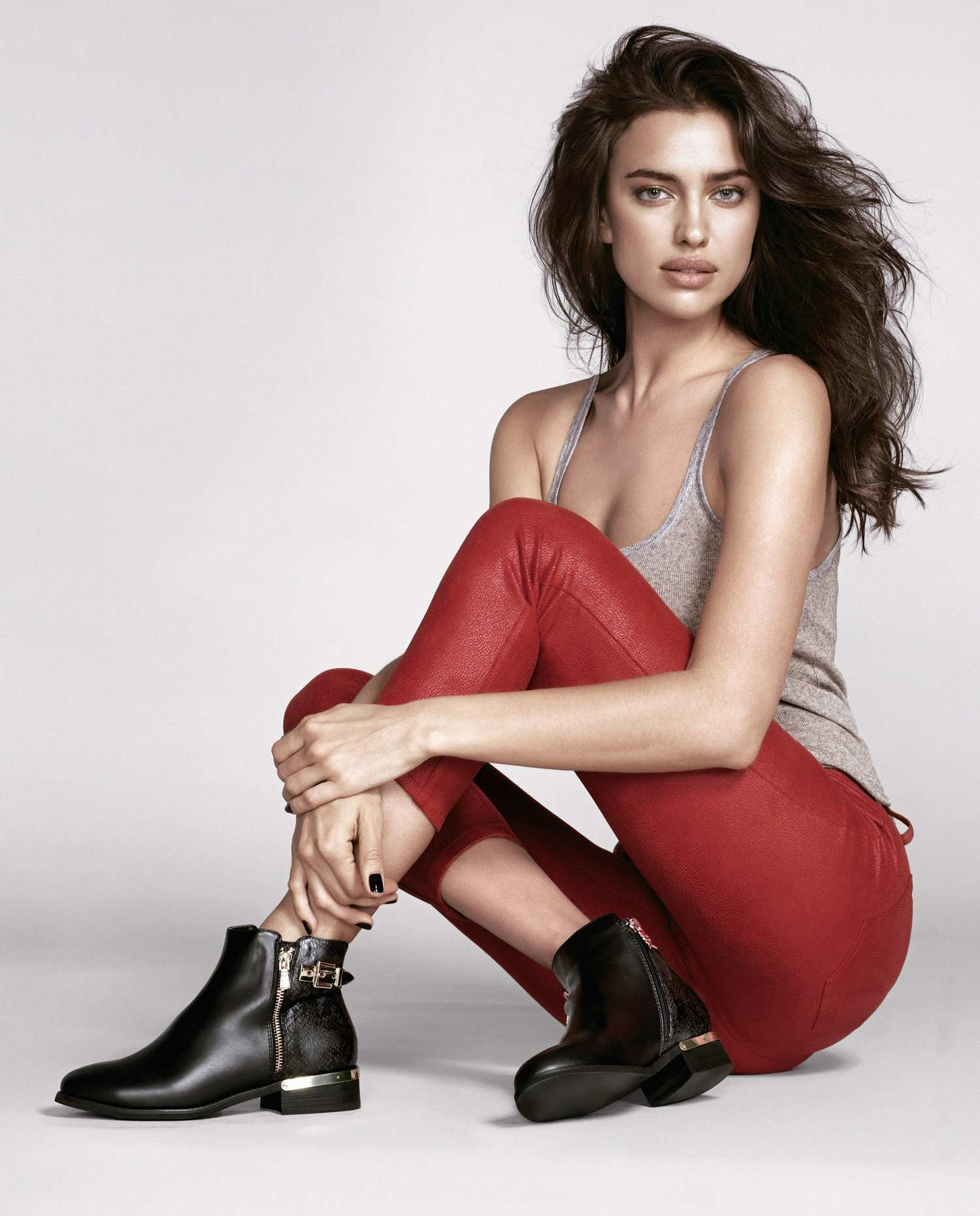 irina-shayk-xti-footwear-fall-winter-sergi-pons03