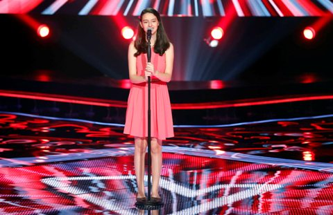 MBC1 & MBC MASR- the Voice Kids- Blind 6- Kadim's team- Laila Abou Hamdan (1)